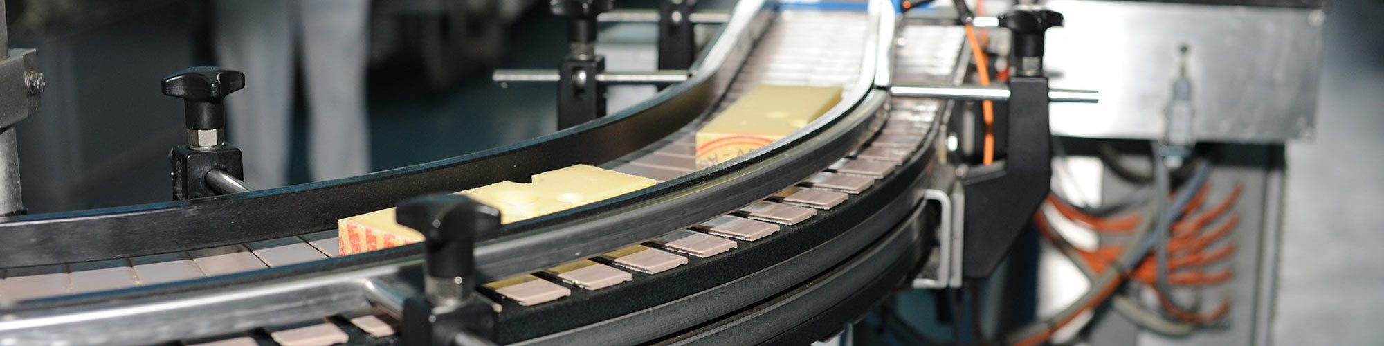 Reliable monitoring of drive technology/conveyor technology